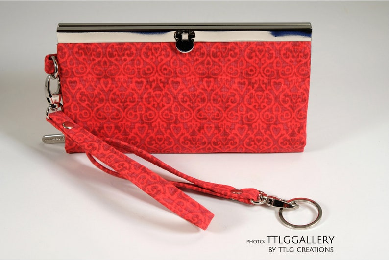Diva Clutch : Cardinal Rule Made to Order. 7.5 x 4.5 image 0