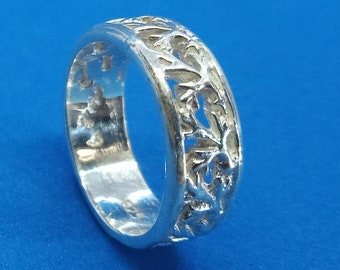 Floral Band in Sterling Silver (Size 7)