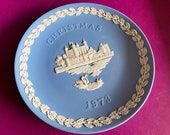 Wedgwood blue jasperware Christmas Plate 1973, Tower of London, Wedgwood Jasperware, jasperware plate, Wedgwood Christmas plate
