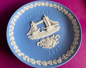 Wedgwood blue jasperware Christmas Plate 1975, Tower Bridge, Wedgwood Jasperware, jasperware plate, Wedgwood Christmas plate