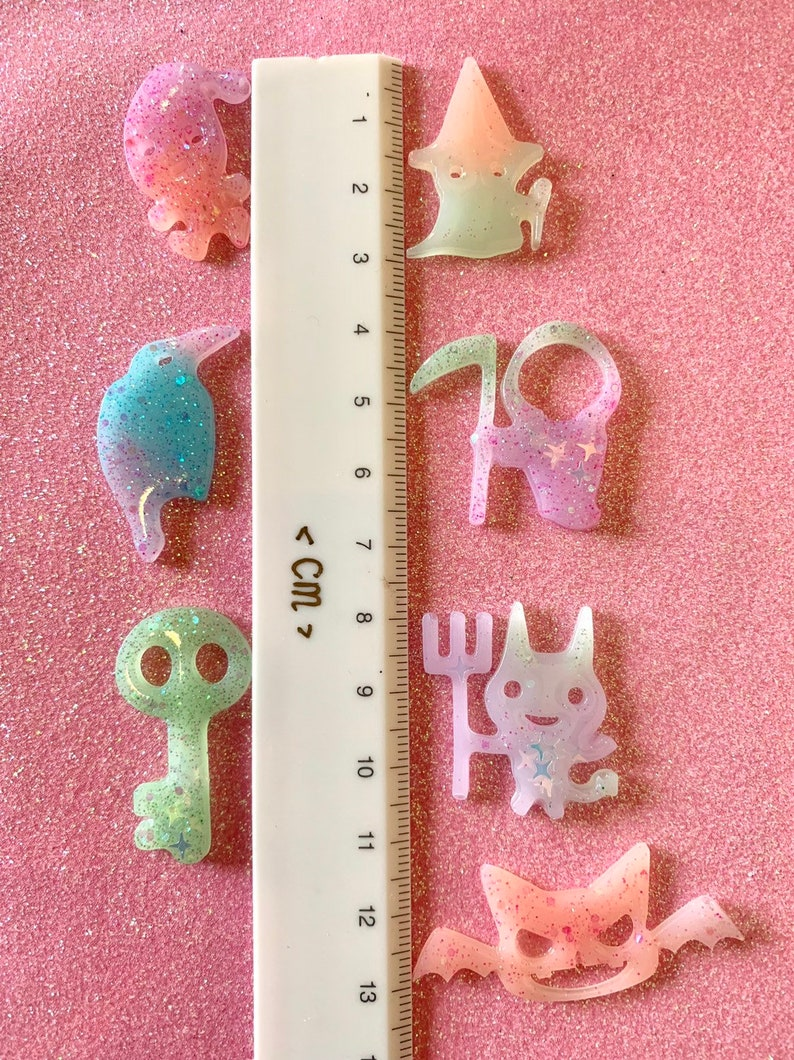 6pcs-halloween ghost silicone mold UV resin shiny mold-decoden case jewelry makingkeychain