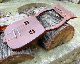 Kravik Lyre, medieval lyre, Medieval lyre, Norway, Norway, Scandinavia, Einar Selvik, Wardruna, harp, lyra