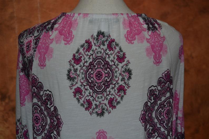 Women/'s XXL Vintage Hippe Blouse Hippie Shirt Plus Size Pink Paisley Pattern with Ruffles 60s Style Boho Top