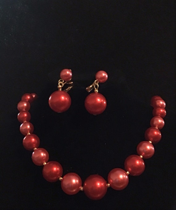 Vintage Hong Kong 1950s Hot Pink to Red Faux Pearl