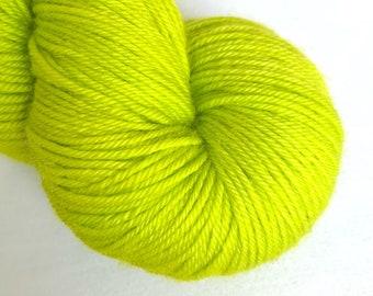 Bona Yarns -  100g hand dyed yarn - 'Betty' - DK/Fingering/Sock - Superwash Merino/BFL - Semisolid Acid Green
