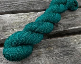 Bona Yarns -  100g hand dyed yarn - 'Dabbling Duck' - DK/Fingering/Sock - Superwash Merino/BFL - Teal Green