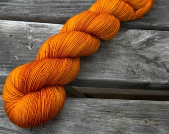 Bona Yarns -  100g hand dyed yarn - 'Turmeric (Deep)' - DK/Fingering/Sock - Superwash Merino/BFL - Semisolid Golden Orange