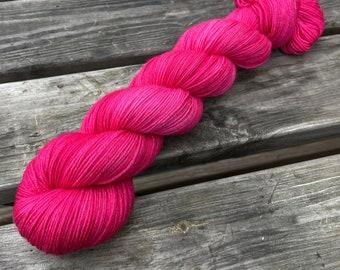 Bona Yarns -  100g hand dyed yarn - 'Berry Pie' - DK/Fingering/Sock - Superwash Merino/BFL - Semisolid Red Purple