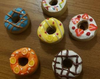 Real Frosted /& Sprinkled Doughnut Refrigerator Magnet