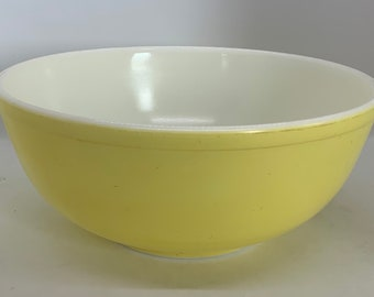 Vintage Pyrex Mixing Bowl Set FAIR Condition Farmhouse Kitchen Decor Pyrex NO NUMBERS Primary Color Mixing Bowls 1940s Kitchen
