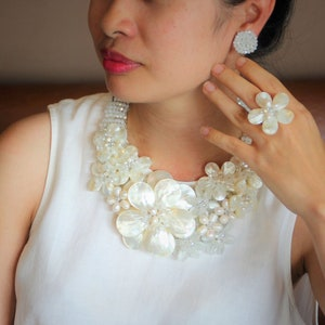Luxurious Natural Freshwater Pearl shell crystal Flower Necklace sister gift mothers gift friend gift wedding gift Statement Necklace
