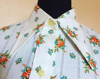 01fe96223b9 Vintage 1970s floral blouse