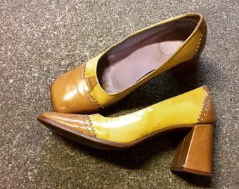 461892fb19f Vintage 60s yellow leather pumps