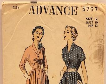 #3040 30 Bust, 33 Hip, 25 Waist 1940s Advance Dress Pattern Size 12