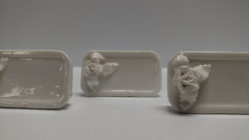 Set of 5 Shafford Design Bone China OCTAGON PLACE CARD Stands White Roses Design