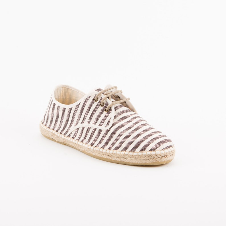 203ef671cc29c chocolate men sneaker for summer