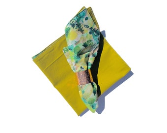 Cloth Napkins Set, Set of 2 Green Abstract Napkins, Patterned Table Linens, Handmade - Eco Friendly - Reusable - Refugee Made