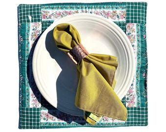 Green and White Floral Checkered Centerpiece Mat, Square Placemat, Summer Table Decor