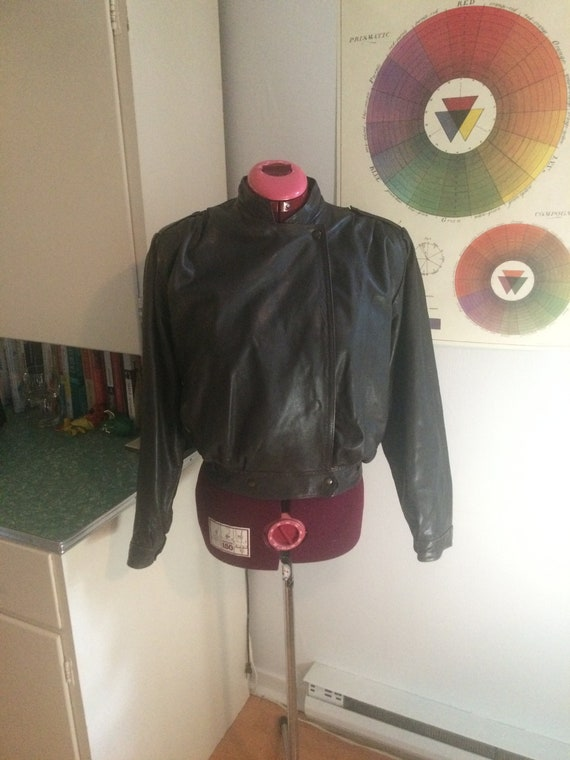 SEVERE Vintage Brown Leather Bomber Jacket 1980's