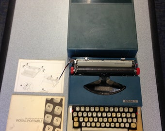 9869b1825a7 Royal Marksman Portable Typewriter