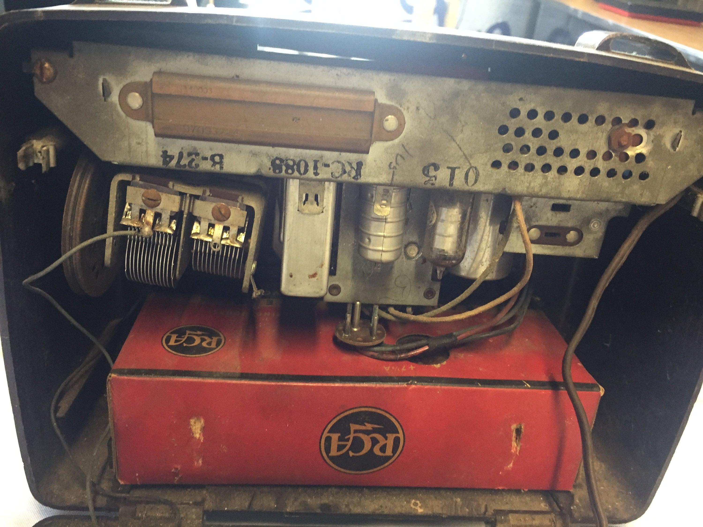 Vintage Bakelite RCA Victor Radio Model BX-55