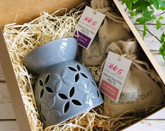 Wax Melt & Burner Boxed Gift Set - Starter Set - Petal Design Ceramic Burner - Grey