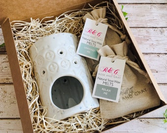 Wax Melt & Burner Boxed Gift Set - Starter Set - Rustic Glazed Stoneware Geometric Pattern Burner #1 - White