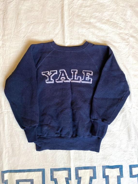 Vintage 1960s Yale Flock Print Raglan Sleeve Sweat
