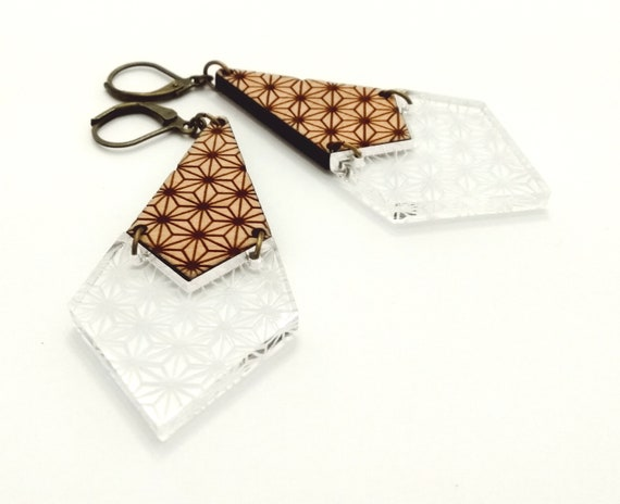 Duo of materials with origami flowers dangling earrings Acrylic and engraved wood