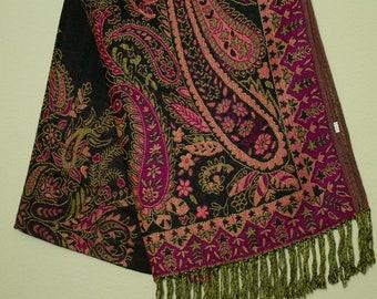 e68d499518f90 Pashmina - black and fuchsia - festival scarf/shawl