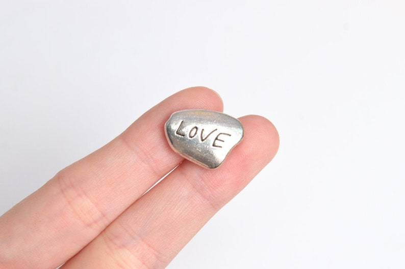 8 pcs 17x13mm Love Spacer Beads Antique Silver Tone 63818-2417