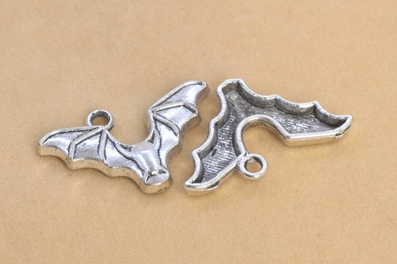 2-10pcs Retro Style ancient silver alloy The bat connector Charm Pendant