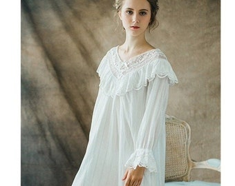 Vintage Style Long-sleeve Cotton Nightdress f556bfc24