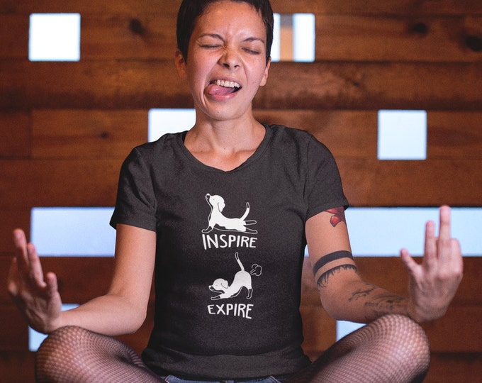 Inspire expire !! T-Shirt col rond - petit chiot - Yoga humour