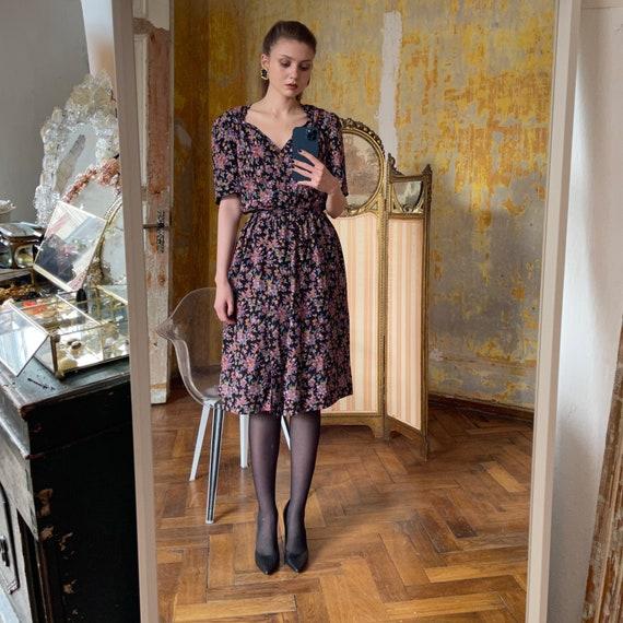 1980s Silk Floral Dress, Cottagecore Dress - image 4