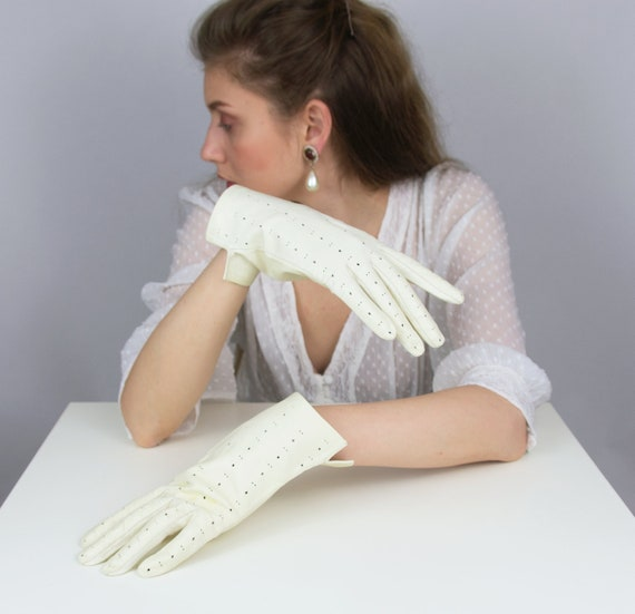 Vintage White Leather Gloves | White Gloves | Ladi