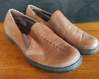 5005b9c6f98e10 Predictions 7 M Women s Brown Loafer Shoes Leather Collection Non Slip FE