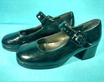 031932b2aa9 Vintage Girls Shoes Black Dressy 1 1 2