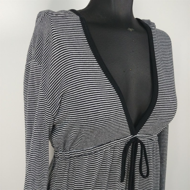 Red by Marc Ecko Black /& White Striped V-Neck Hooded Top Shirt Womens Size S