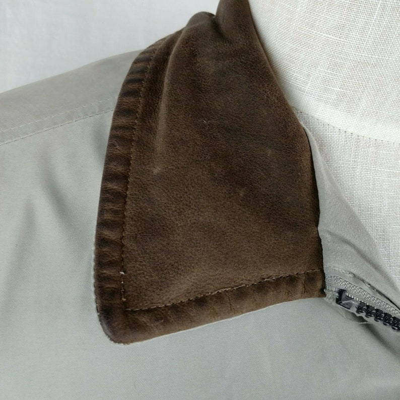 Towne London Fog Mens Zip Up Beige Bomber Jacket Size Large with Imperfections