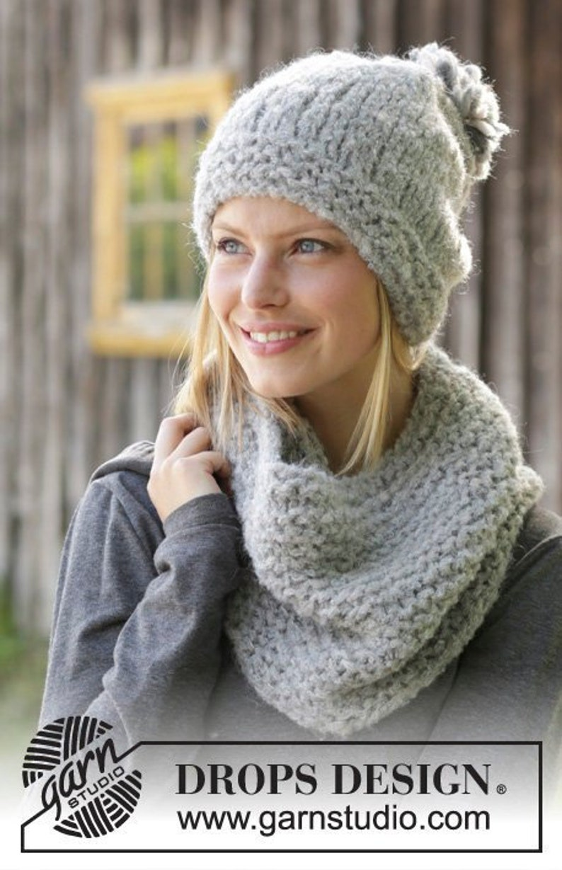 f8c0e27c4f89 Knitted hat and knitted neck warmer