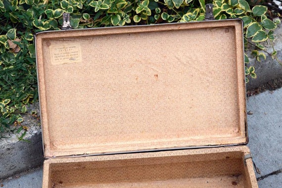 Suitcase Small suitcase Old suitcase Shabby suitca