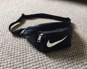 fe506723635b Nike Vintage bum bag