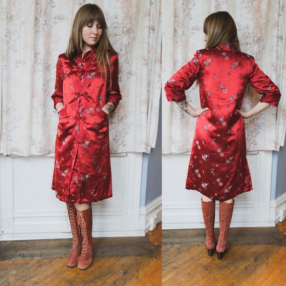 1950s 1960s Red Pure Silk Quilted Mandarin/Asian S