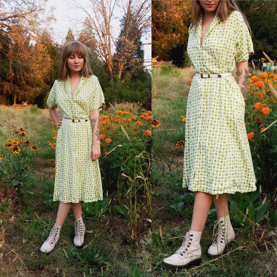 1950s Button Up Day Dress Novelty Print Green Stra