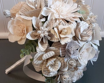 Book Flower and Sola Wood Brides Bouquet, Book Page Flower Wedding Bouquet, Sola Wood Bouquet, Bookish Bride, Literary Theme