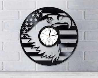 5da6cdb7 Eagle clock | Etsy