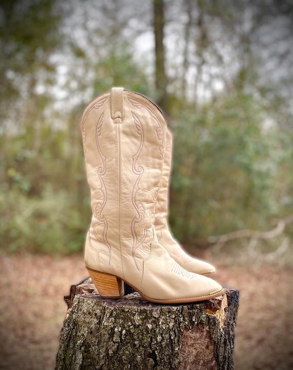 Sz 7.5 - ACME Leather Boots - Cream Metal Toe Cap
