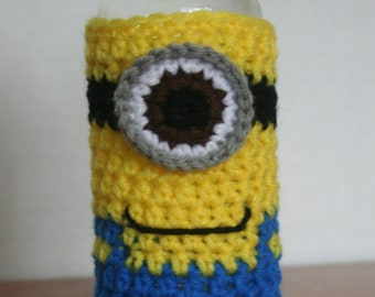 eed2f7a933 One-Eye Minion Water Bottle Cozy