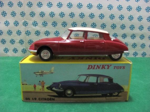 Auto Vintage CITROEN MEHARI 1971 1:24  New /& Box diecast model car collectible